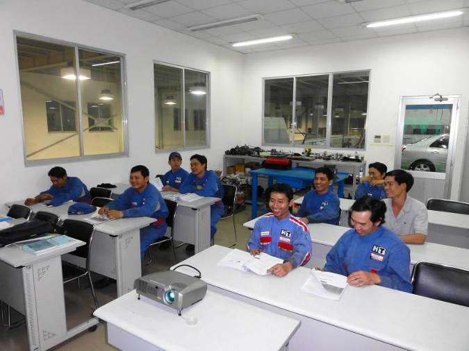 12 kỹ sư chuyên giao công nghệ Osaka - Hà Nội