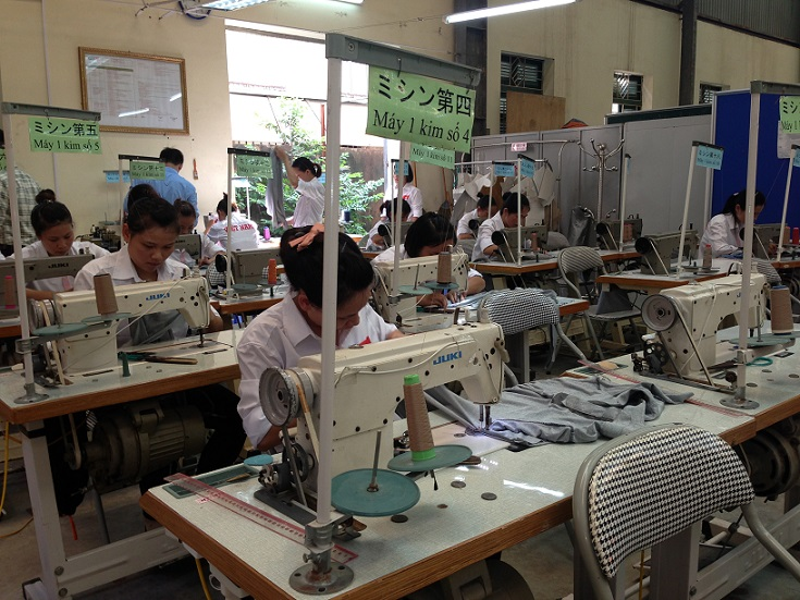 15 nữ làm may hoàn thiện tại Fukuoka tháng 4/2014