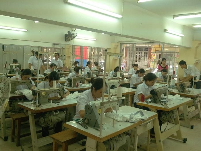 9 nữ làm may thời trang tại Fukui nhiều việc làm thêm