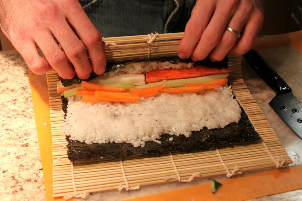 90 nam nữ làm sushi tại Shizuoka tháng 9/2014