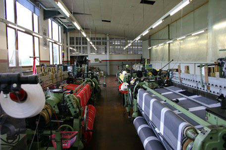 5 Nữ làm dệt vải tại Ishikawa tháng 8/2014