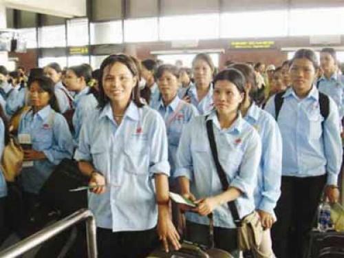 Hạn chế rủi ro cho nữ lao động đi xuất khẩu nước ngoài