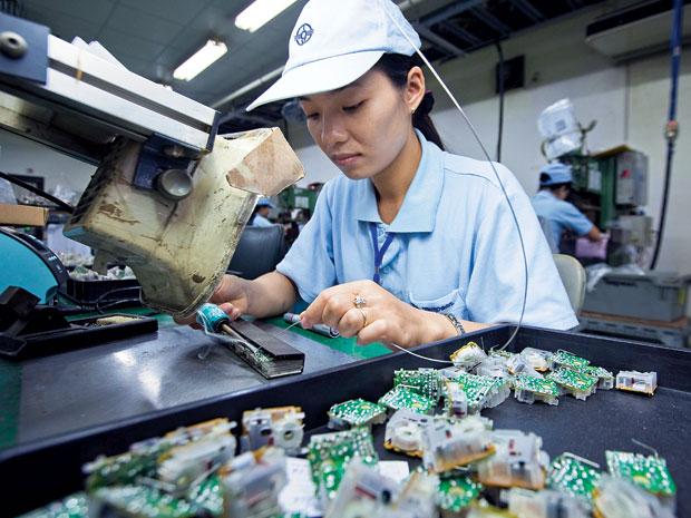 Tuyển 15 nữ làm lắp ráp điện tử tại Toyama tháng 02/2016