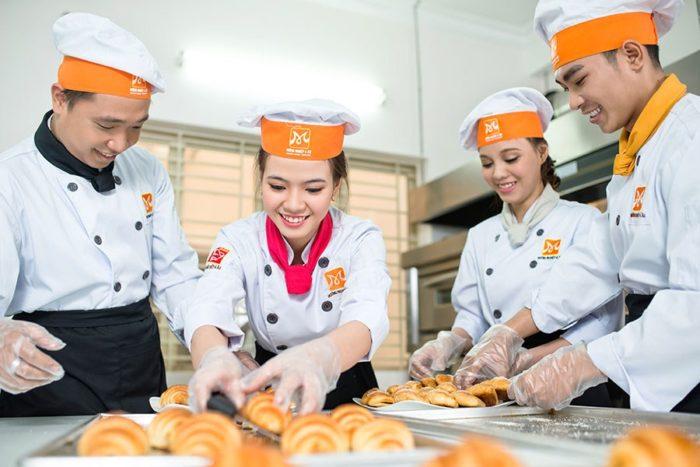 Xuất khẩu lao động làm bánh 1 năm tại Nhật Bản tháng 02/2017