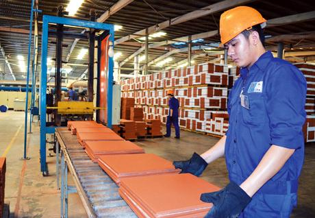 Tuyển gấp 15 nam sản xuất gạch lương cao tại Chiba tháng 03/2017