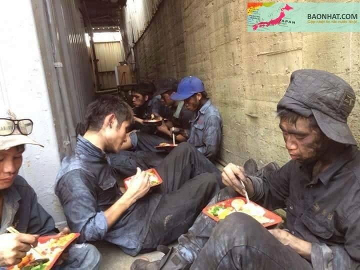 Chúng tôi phải bán mồ hôi, nước mắt, cả máu nữa mới có tiền gửi về Việt Nam