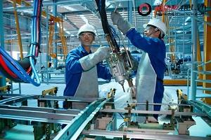 Xuất khẩu lao động Nhật Bản ngành cơ khí ép kim loại vất vả không?