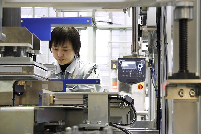 Tuyển 9 nam làm lắp ráp linh kiện tại Saitama tháng 6/2017