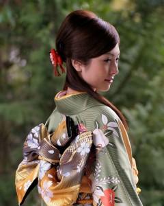 Phân biệt trang phục Yukata và Kimono khác nhau chỗ nào?