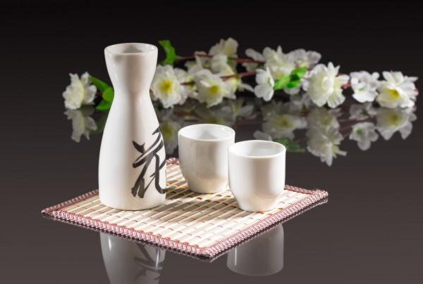 Rượu sake Nhật Bản làm từ nguyên liệu gì?