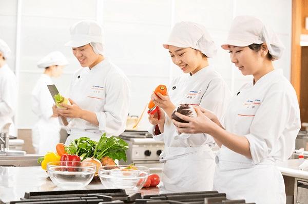 Đơn hàng xuất khẩu lao động làm cơm hộp lương cao tại Nhật Bản