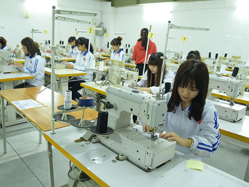 Thi tuyển thực tập sinh tay nghề may tại TTC Việt Nam