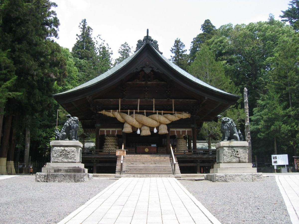 đền Suwa Taisha tỉnh Nagono Nhật Bản