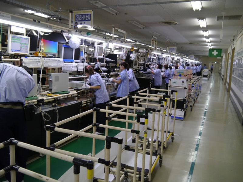 Lắp ráp linh kiện điện tử khi đi XKLĐ Nhật Bản