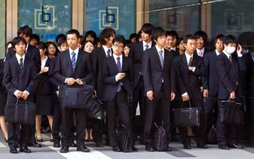 Người Nhật sợ nhất là bị tụt hậu so với xã hội