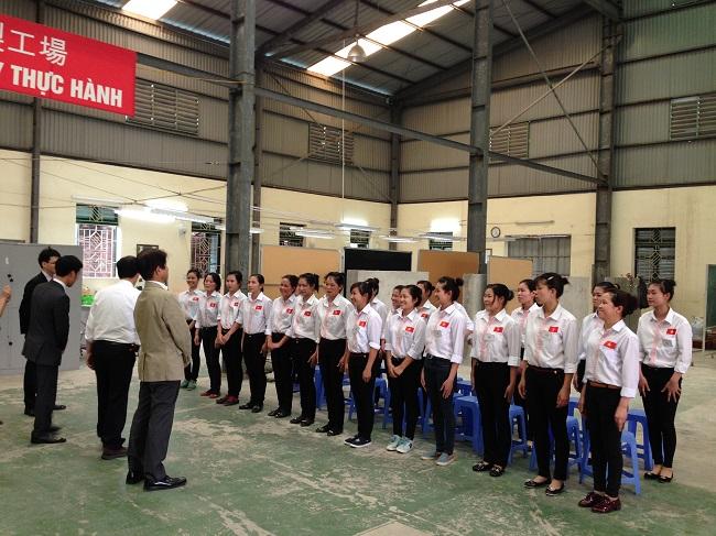 TTC tổ chức thi tuyển đơn hàng may áo sơ mi 3/2014