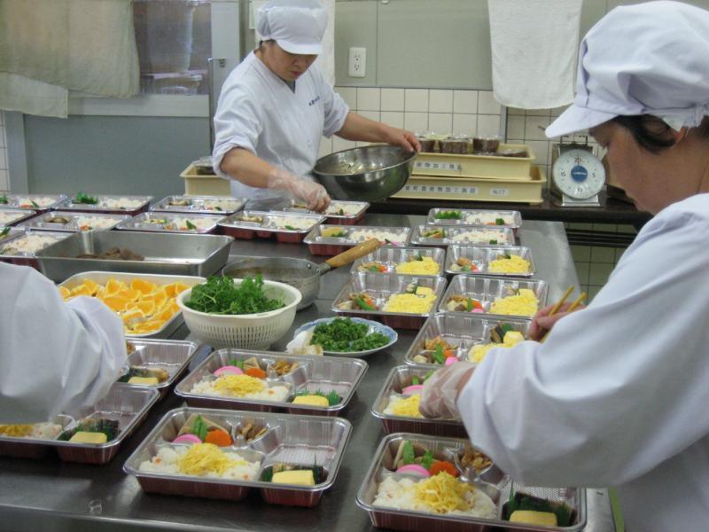 3 Nam làm thực phẩm tại Shizuoka tháng 7/2014
