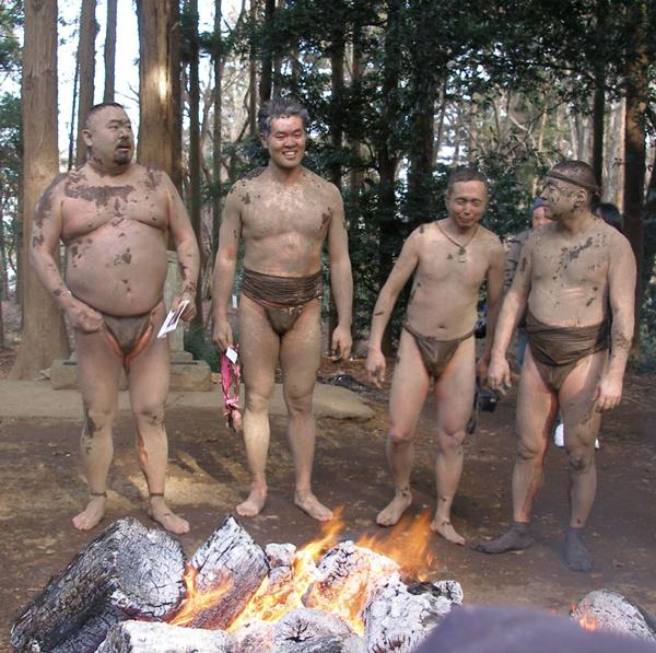 Hấp dẫn lễ hội ném bùn ở Chiba – Nhật Bản