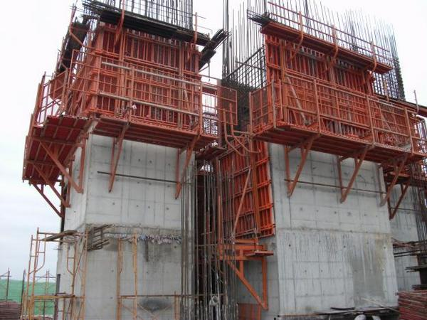 15 Nam làm xây dựng tại Hokkaido tháng 04/2014