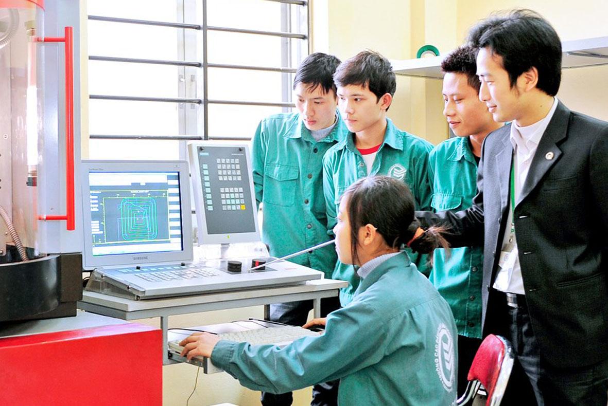 Xuất khẩu lao động Nhật Bản hút nguồn cuối năm