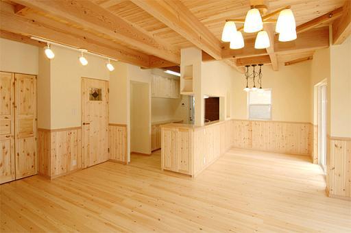15 Nam đi Nhật Bản thi công nội thất tại Gifu lương 14man/tháng