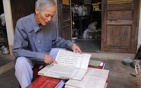 Hiến tặng tư liệu quý về Hoàng Sa in tại Nhật Bản