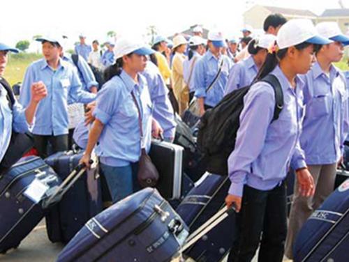 Đề xuất chính sách hỗ trợ cho nữ lao động xuất khẩu