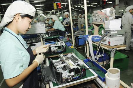 Tuyển 20 nữ làm lắp ráp linh kiện điện tử tại Nhật Bản tháng 01/2015