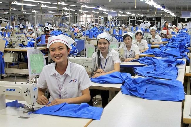 Tuyển 20 nữ làm may mặc tại Nhật Bản lương 150.000 Yên/tháng