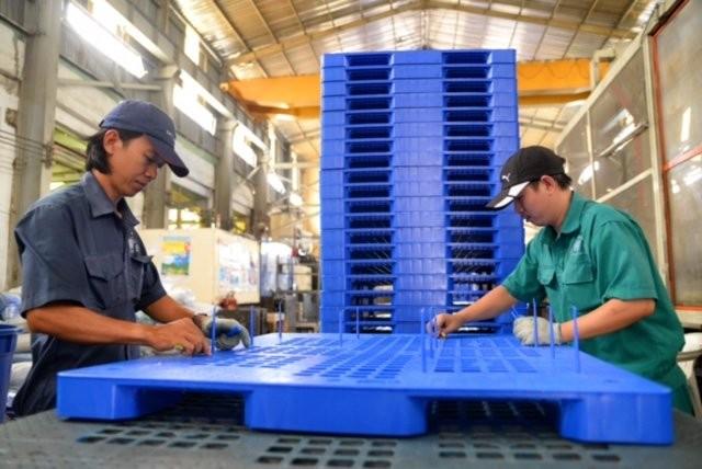Tuyển gấp 20 nam sản xuất nhựa làm việc tại Ishikawa tháng 2/2018