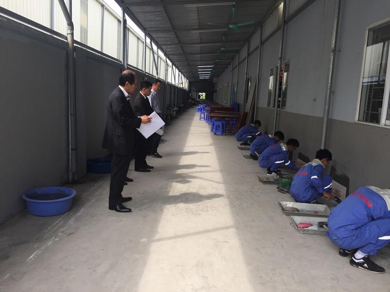 Thực tập sinh Nhật Bản thi tay nghề lát gạch tại trung tâm 3